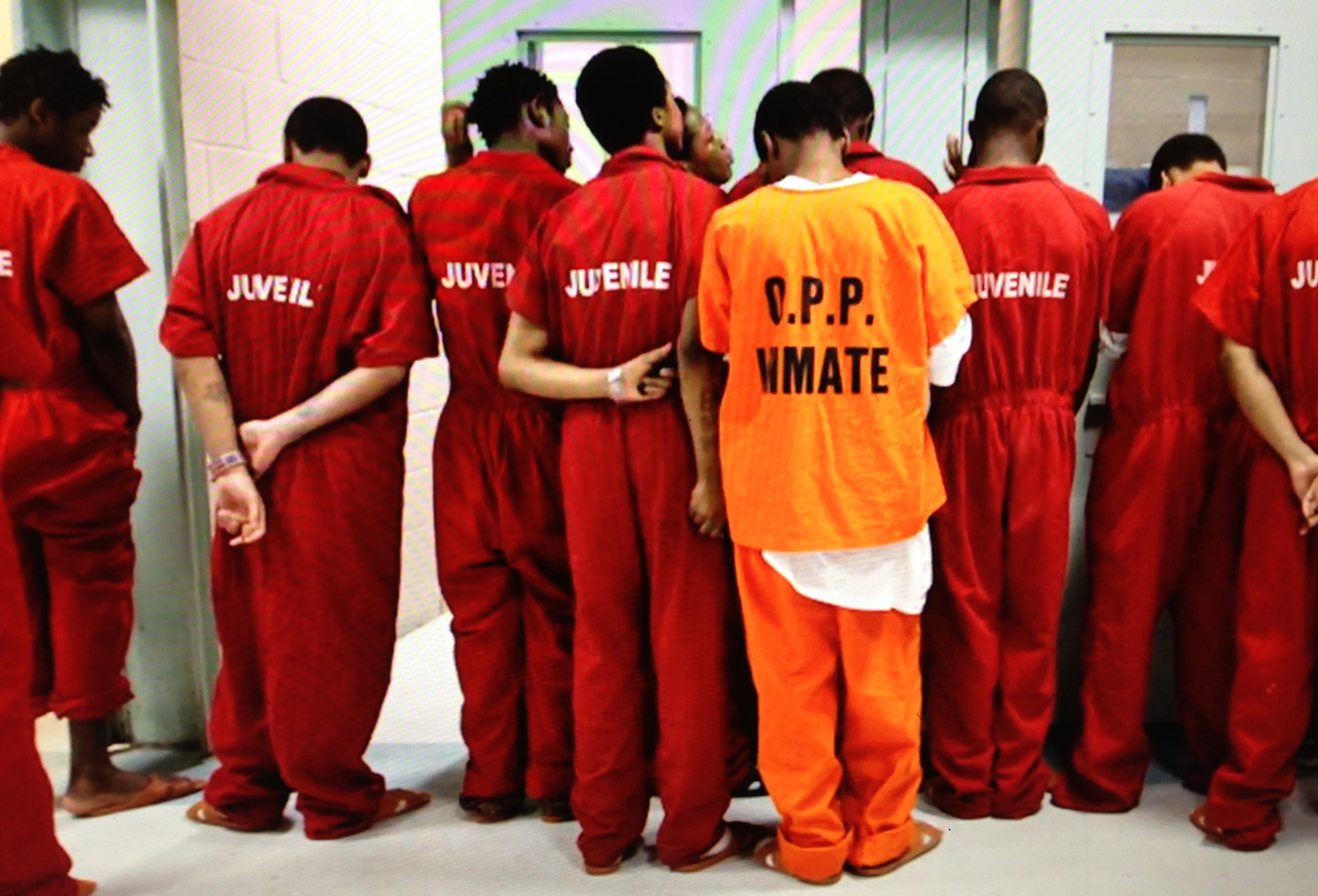 is it appropriate for juvenile offenders to receive adult punishment  juveniles that are waived to adult court generally receive not exceptional or juvenile offenders same punishment as an adult - 1642 - first documented case of a 16 -year old.